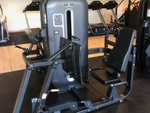GrandMaster Black-Diamond Legpress-Sittande Benpress
